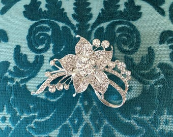Rhinestone Brooch.Flower Rhinestone Brooch.Flower Brooch.Wedding Accessory.Vintage Style.Rhinestone Pin.Crystal Pin.Broach.Silver Pin