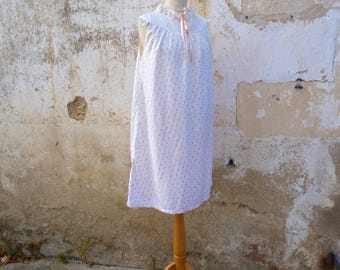 Vintage 1920 /1930s  soft pink floral cotton nightgown adorned  with cream eyelet & ribbon size S/M