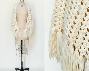 Vintage Crochet Shawl --- 1960s Cream Cape
