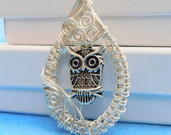 Owl Necklace Gift for Best Friend Artisan Crafted Woven Wire Bird Pendant Artistic Handmade Unique Jewelry Present for Her Girlfriend Wife