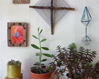 Godseye  Ojo de Dios Wall Hanging Wire Sculpture