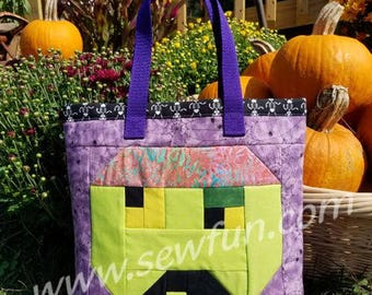 Zombie Quilted Bag Trick or Treat Tote Bag Sewing Pattern, PDF download, Pixel Quilt, Book Bag, Halloween, Walking Dead