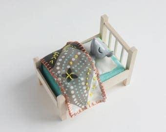 Sleeping Baby Mouse - miniature bed set, modern dollhouse furniture, minimalist furniture, mouse figurine, animal art doll, cake topper