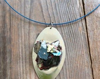 Oval graffiti fleck necklace