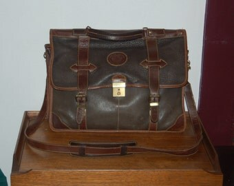 Roots Canada Two Tone Brown Waterproof Leather Messenger Bag / Satchel / Briefcase / Attache / Laptop / Tote, Made in Canada, Shoulder Strap