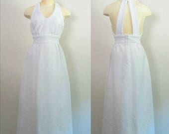 White Mod Maxi Dress With Cut Out Back // Vintage 1970s Boho Chic Graduation Wedding Party