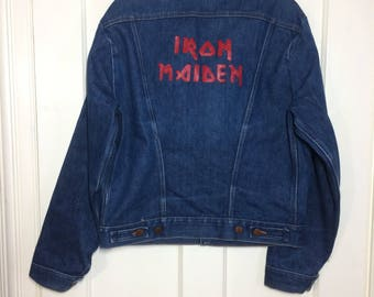1970's Wrangler Iron Maiden painted blue jean denim jacket 4 pocket size 40 made in USA heavy metal rock band customized #1929