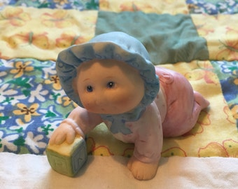 Vintage Cabbage Patch Crawling Baby With Block Figurine 1984