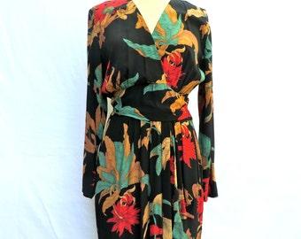 "Vintage 1940's Style Dress/Rayon Floral Dress/1980's does 1940's/Dark Floral Rayon Dress/1940's Floral Print Dress/30"" Waist/Medium/Phoebe"