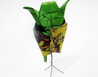 FIGURINE 65mm comic book origami yoda sculpture