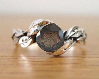 labradorite  Ring, Leaf Ring With Gemstone In Silver, labradorite Leaf Ring, Leaves Ring, Forest Ring, Natural Floral labradorite Ring