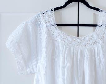 Vintage 1960's 1970's Cotton Mexican Oaxacan White Embroidered Dress / Boho / Bohemian / Hippie/ Festival / Size XL