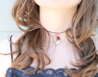 Resin Garden Crystal | Choker | Geranium | Necklace | Suede | Dried Flower
