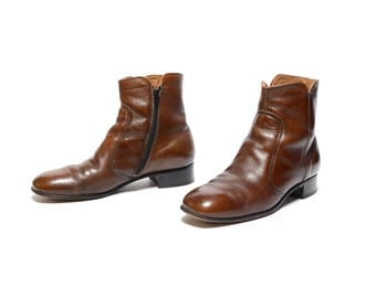 mens vintage boots 70sChelsea boots dark brown leather worn in Beatle boots 1970 mod boots 9 9D smooth round toe