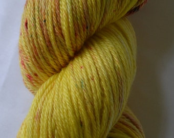 DK yarn, DK weight, hand-dyed superwash merino silk 225metres 3oz for knitting crochet, speckled, yellow lemon