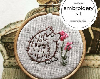 embroidery kit // Herzog the hedgehog - hand embroidery kit