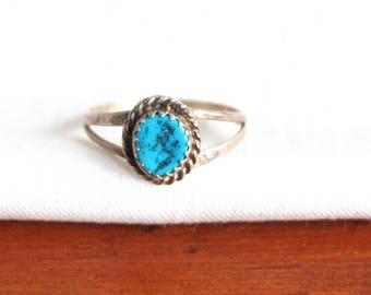 Turquoise Ring Sterling Silver Size 7 .5 Vintage Southwestern Trading Post Jewelry Sawtooth Bezel Setting