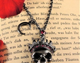 Skull Necklace, Gothic Necklace, Skull with Crown, Vampire Jewelry, Skull Pendant,Vampire Necklace, Skull Jewelry, Twilight Jewelry, Vampire
