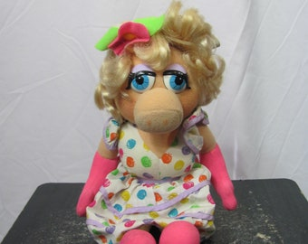 Vintage 1993 MISS PIGGY Doll / Plushie / Stuffed Animal Jim Henson The Muppets Muppet Doll