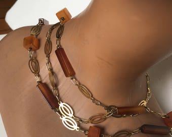 Vintage gold tone 70's plastic necklace