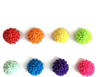 Set of 8 // Floral Magnets // Flower Magnets // Fridge Magnets // Refrigerator Magnets // Decorative Magnets / Kitchen Decor / Resin Flowers