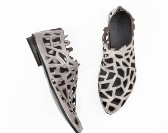 Closed Cut Out Sandals In Grey