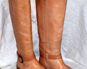 Frye Beige Riding Boots - Knee High  -  Size 8 - Leather - Made in Mexico - Just Beautiful Boots