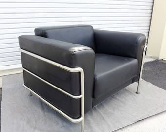 Black Leather and Chrome Frame Modern Club Chair after Le Corbusier's LC3 , 20th Century Lounge Chair Mid Century Design Furniture