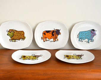 Vintage Set Beefeater Steak Plates. Staffordshire Psychedelic Bull Plates. English Ironstone Dinner Plates. Staffordshire Pottery, 70s Retro