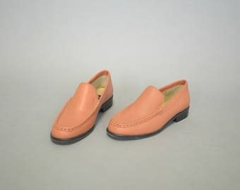 1990s minimalist pink leather loafers - size 6