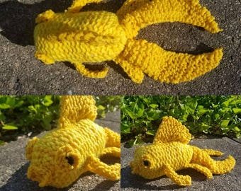 EXCLUSIVE: COMFY COZY Knitted Goldfish Stuffed Animal in Yellow and Gold