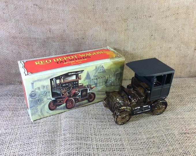 Vintage Avon Reo Depot Wagon, Avon wagon, vintage Avon collectibles, collectors of Avon, Avon vehicle collection, vintage Avon decanters