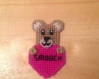 Bear Valentines Magnet, Critter Magnet, Valentines Day Gift, Gift for Kids, Kids Magnets, Smooch Magnet, Bear Magnet
