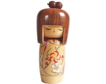 Sleepy Eyed Vintage Kokeshi with Hairpin and Plum Blossom Kimono. Japanese Kokeshi Doll. Japanese Doll. Vintage Japanese. Kokeshi Dolls.