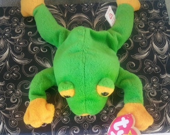 Authentic Retired Ty 1997 Smoochy the Frog Beanie Babies TAG ERRORS Rare