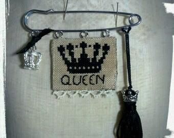queen brooch kit