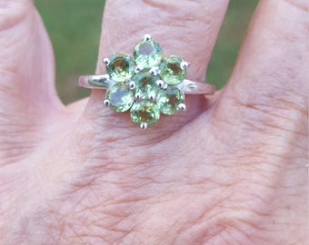 peridot ring size 9 1/4 1970's 1.5ct genuine natural peridot QUALITY SPARKLY GEMS estate vintage sterling ring