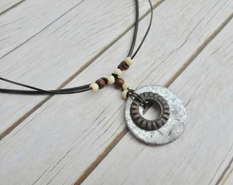 Industrial disc pendant necklace handmade brown leather ladies mens unisex fashion jewelery unique gift jewelry metal rust plates steampunk