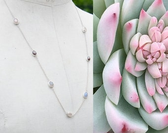 Beautiful sterling silver necklace with 7 gemstones (star ruby, moonstone and rose quartz)