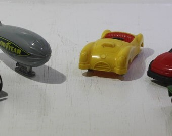 Lot of (5) die cast and plastic toy cars and slot car -  Matchbox Lesney,  Made in Japan, Tootsietoy