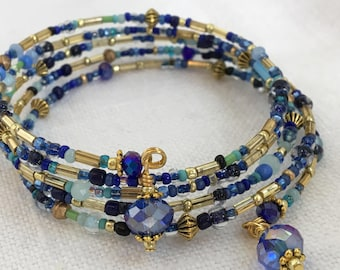Aqua, Navy and Gold Vintage Seed Bead Memory Wire Bracelet, Czech Glass Seed Bead Bracelet, Gold and Swarovski Crystal Memory Bracelet (28B)