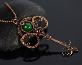 Key pendant copper wire wrapped key jewelry Irish green emerald gemstone pendant Celtic clover 18th or 21st birthday chic handmade jewelry
