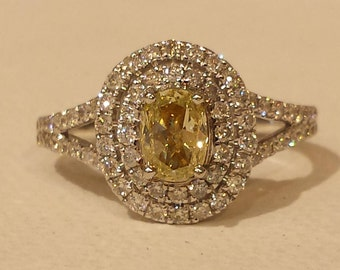 18 k white gold natural yellow diamond ring