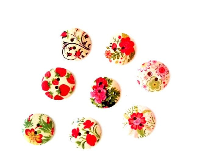 8 x 20MM Shabby Chic floral wooden buttons Pack 1