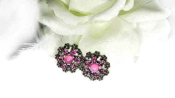 Pink bead and silver color metal flower round vintage clip-on earrings from 60's