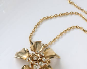 Vintage Gold Tone Flower Pendant/Brooch