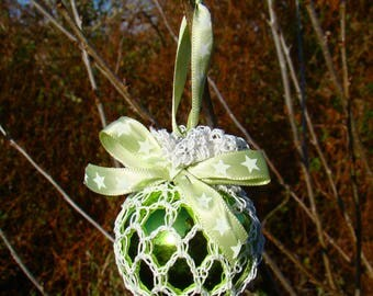 Retro Crochet irish lace bauble -Green