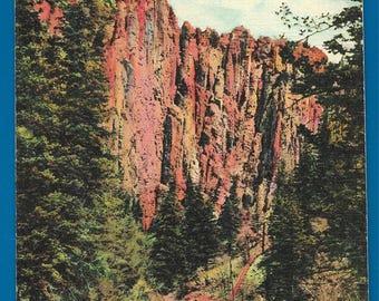 Vintage Linen Postcard -  Palasades in Cimarron CanyonState Park, New Mexico  (2730)