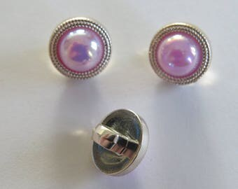 Pretty vintage style button with faux Pink/Purple stone