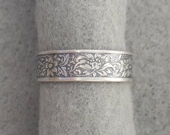 Sterling Silver Art Nouveau Romantic Wedding Ring, floral jungle, antique style band, hippie flowers, unisex, oxidized, highlighted or shiny